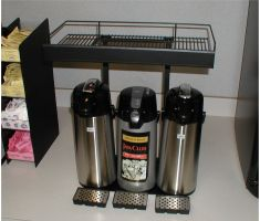 Coffee urn topper with empty top and coffee urns